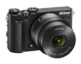 Nikon 1 J5 Systemkamera (20 Megapixel, 7,5 cm (3 Zoll) Display, 4K-Videoaufzeichnung, Funktionswählrad, Einstellrad, Funktionstaste, WiFi, NFC, USB, HDMI) Kit inkl. 10-30 mm PD-Zoom Objektiv schwarz - 1