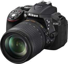 Nikon D5300 SLR-Digitalkamera (24,2 Megapixel, 8,1cm (3,2 Zoll) LCD-Display, Full HD, HDMI, WiFi, GPS, AF-System mit 39 Messfeldern) Kit inkl. AF-S DX 18-105 VR Objektiv schwarz - 1